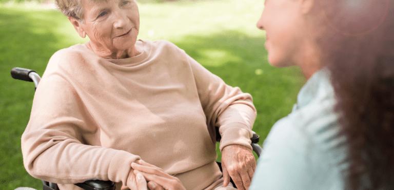 5serveis persones dependents a 5 Serveis Assistència Sanitària a Domicili