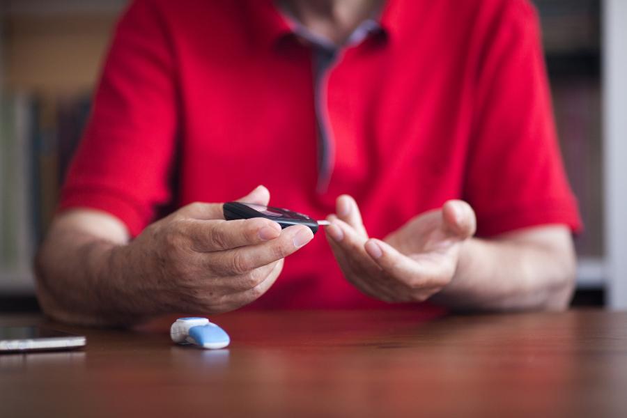 Recomendaciones dietéticas para prevenir la diabetes tipo 2.